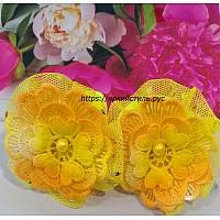 Заколка цветочек, кружево, желтая